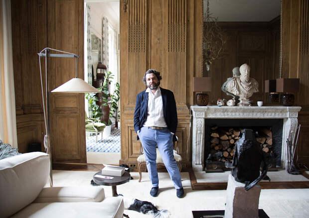 Квартира владельца дизайнерского бюро в особняке XVIII века в Париже