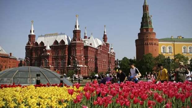 В Кремле прокомментировали продление майских праздников