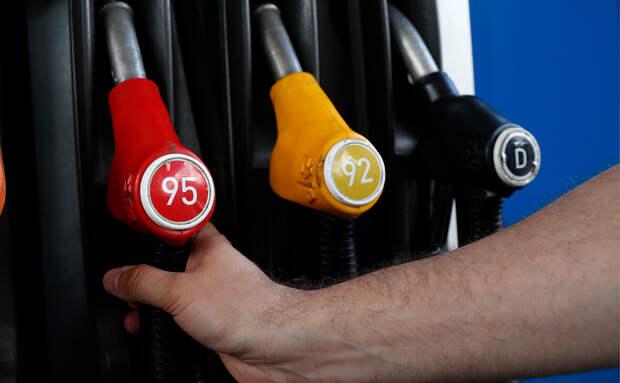 Сотрудник НПЗ рассказал, какой бензин чище – АИ-92 или АИ-95