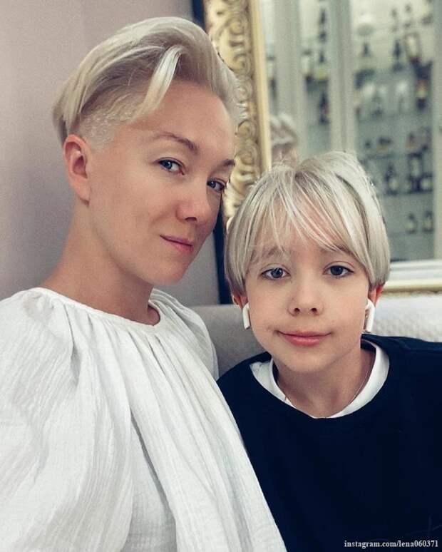 Дарья Мороз с дочкой сделали одинаковую стрижку и удивили своим сходством