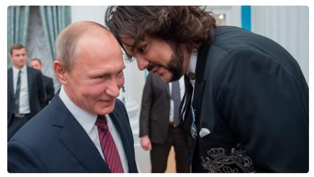 Всё, поправки приняли, теперь Путин показательно наградит артистов, блогеров и чиновников, за агитационную работу