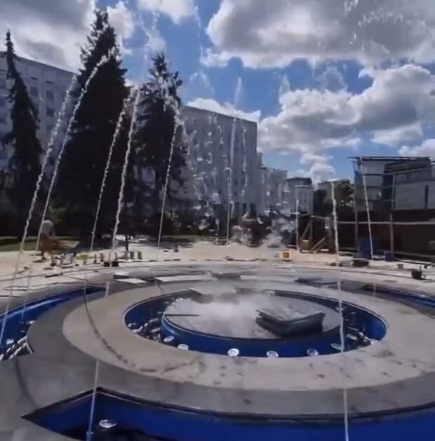 Музыкальный фонтан протестировали у КЗ «Юпитер» в Нижнем Новгороде