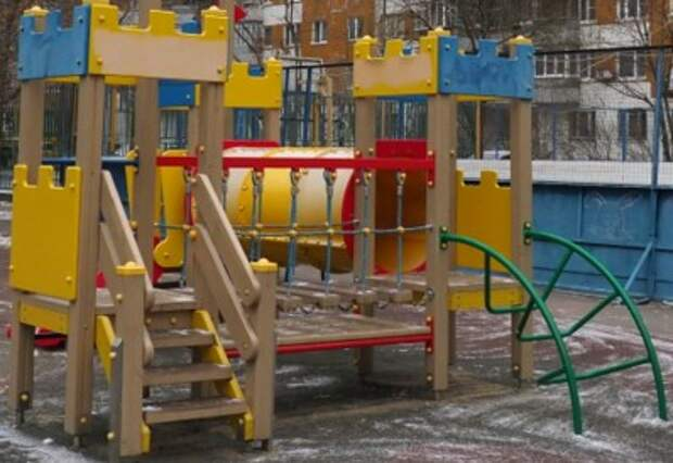 Детская площадка вернется на улицу Генерала Рычагова после окончания стройки – управа