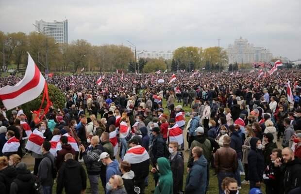 В Минске очевидцы сообщили о массовых задержаниях протестующих