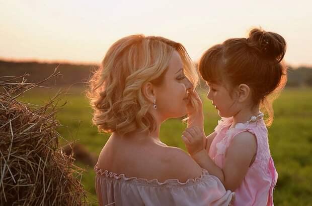 """""""Мальчик, девочка или двойня?"""" – как определить пол будущего ребёнка по знаку Зодиака матери"""