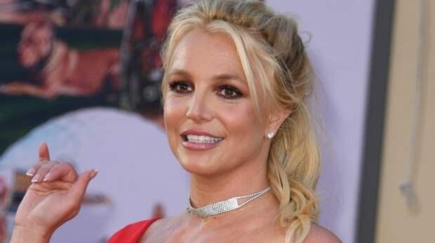 Фанаты не узнали Бритни Спирс и забили тревогу в сети