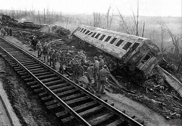 Советские катастрофы, которые замалчивались в СМИ (7 фото)