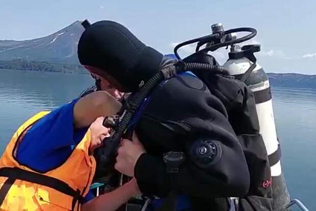 Тела троих погибших при крушении Ми-8 на Камчатке подняли из воды