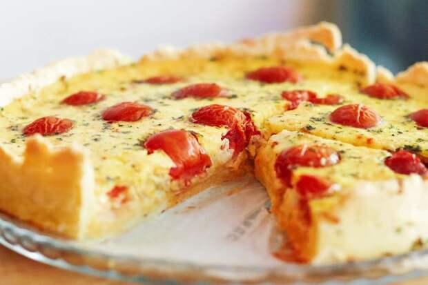 Заливной пирог с творогом: 4 любимых рецепта