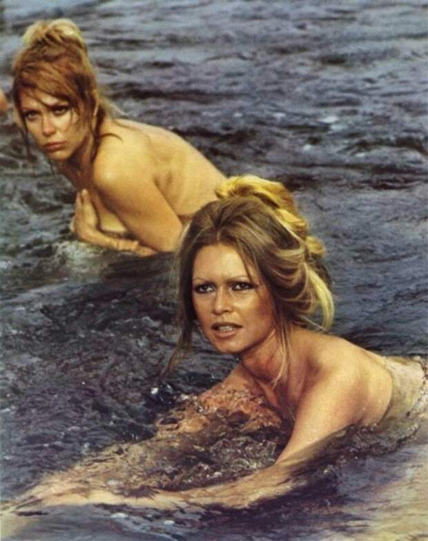 """Клаудиа Кардинале и Бриджит Бардо на съемках фильма """"Нефтедобытчицы"""", 1971 год. история, ретро, фото, это интересно"""