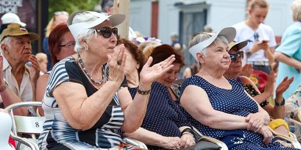 Пенсионеры Бабушкинского учатся рисовать по правилам