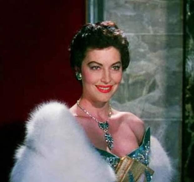 Кадр из фильма «Босоногая графиня», 1954 год. Источник: wikimedia