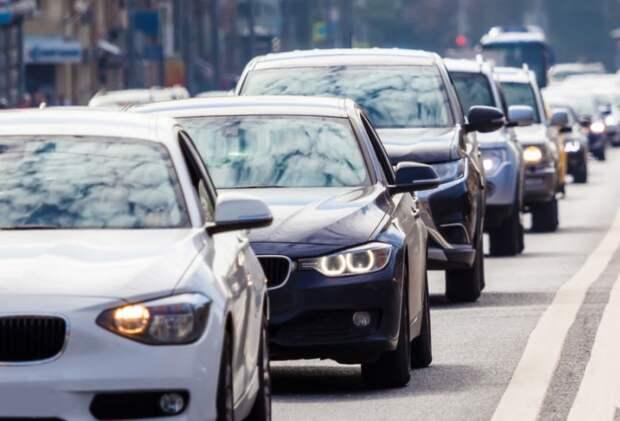 Загруженность Алтуфьевского шоссе вечером 28 мая — три балла