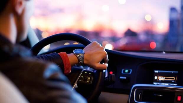 «Жесты и сигналы»: как водители общаются при помощи тайных знаков