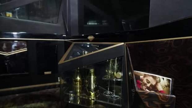 Этот внедорожник за $2 млн выглядит как танк. Но только гляньте, какой он внутри!..