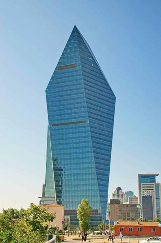 Названы лучшие небоскребы мира по версии Emporis