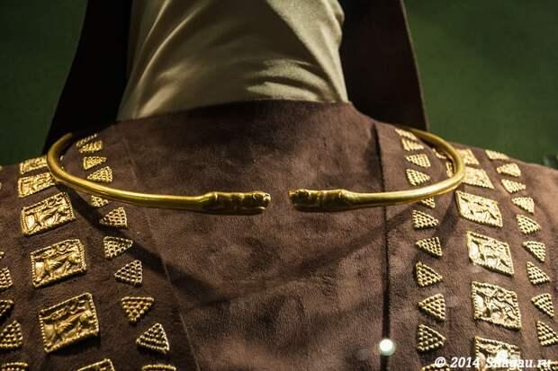 Реконструкция костюма скифского царя.