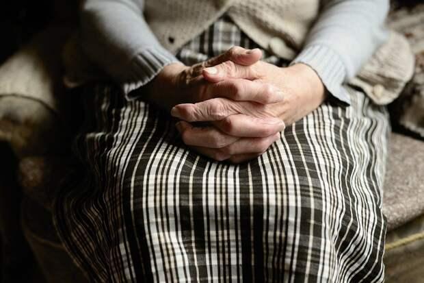 Пенсионерка пожаловалась Володину на коррупцию в стране