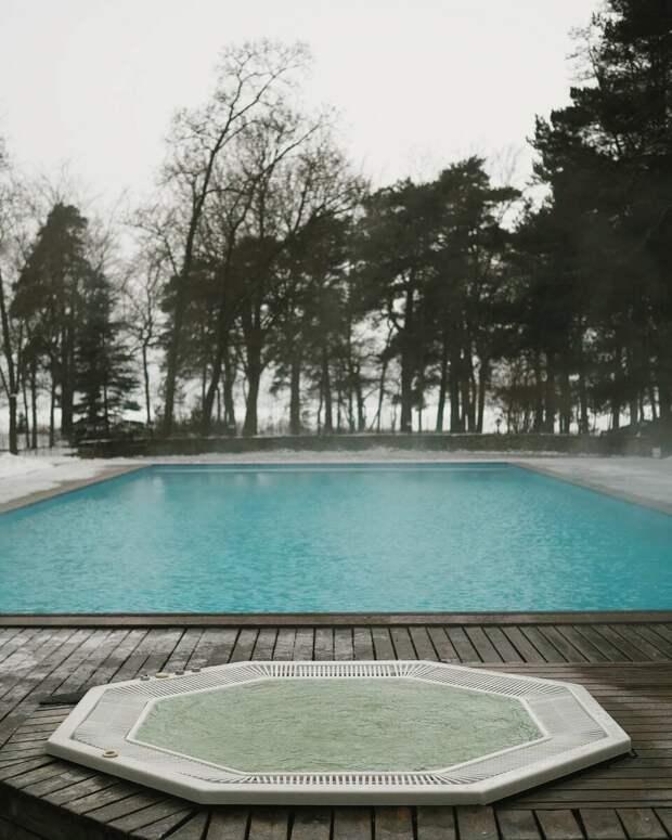 Идея для отдыха на выходных: теплый бассейн под открытым небом