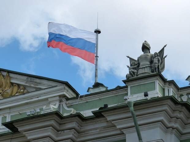 Конфликт приобретает угрожающий масштаб: зарубежные эксперты об отношениях РФ и Запада