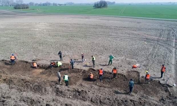 Археологи занимаются раскопками на острове Рюген Фотография: Стефан Зауэр