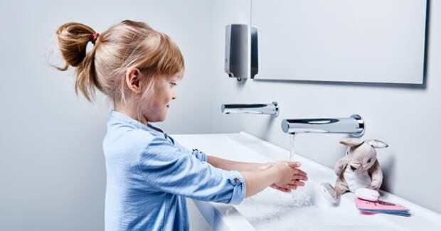 Думаете, что умеете мыть руки? Мы вас научим, как это делать правильно