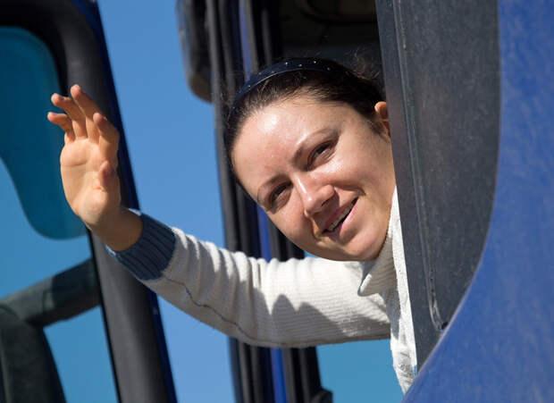 Зачем русские женщины становятся дальнобойщицами – вопреки запретам (ФОТО)