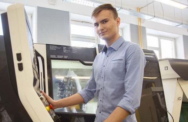Студент из Бибирева стал лучшим токарем Москвы