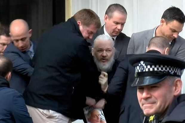 Суд в Лондоне отказался экстрадировать Ассанжа в США