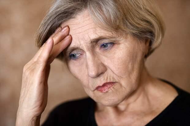 Бабуля говорила, что оставит квартиру мне, но мама подло забрала ее и не отдает