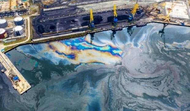 Масляную жидкость сбросило иностранное судно вакватории Находки