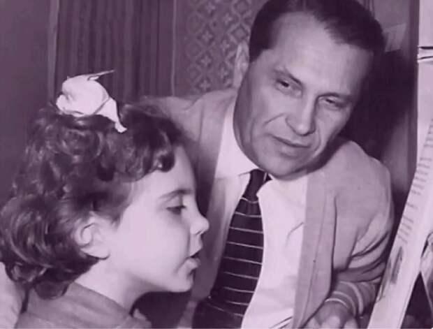 Бернес с дочерью Наташей