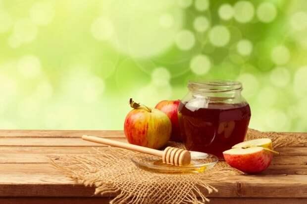 Мед, яблоки и никакого мяса. Как питаться на Успенский пост