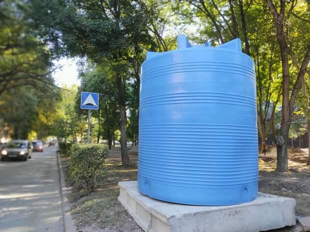 Баки с водой в Симферополе: как часто их наполняют и как очищают воду