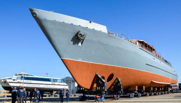 Крупнейший композитный боевой корабль спустили на воду в Петербурге