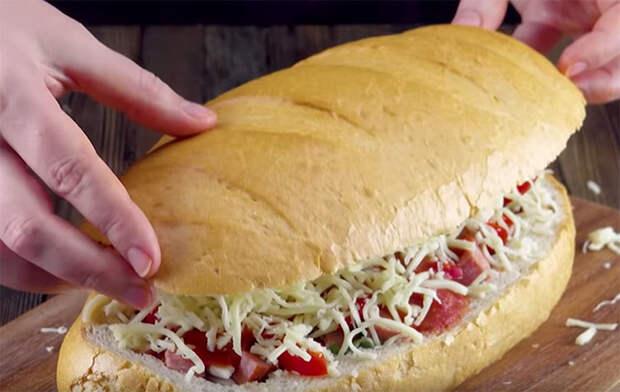 Пицца из булки: вместо теста используем половину батона