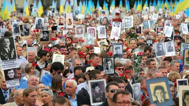 Как «Бессмертный полк» задавил в Киеве «Бессмертную Дивизию СС»