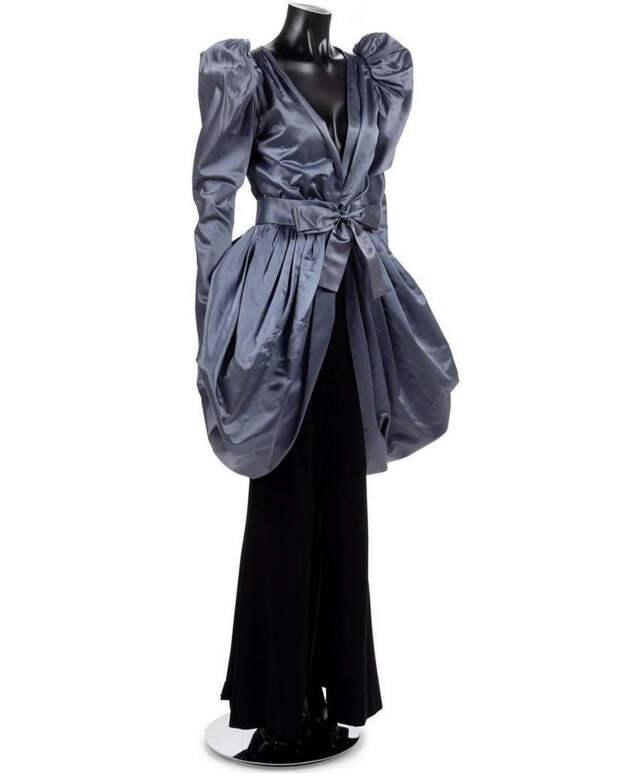 Головокружительно! Зендая в кутюрном платье Yves Saint Laurent 1982 года