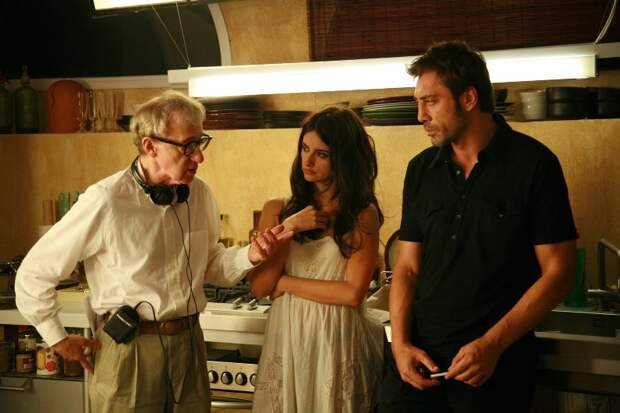 Вуди Аллен, Пенелопа Крус и Хавьер Бардем  во время съёмок фильма «Вики Кристина Барселона». Фото