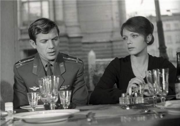 Кадр из фильма *Потому что люблю!*, 1974   Фото: kino-teatr.ru