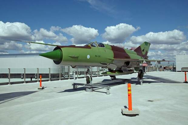 МиГ-21 автомобили, вертолёты, самое массовое, самое-самое, самолёты, техника