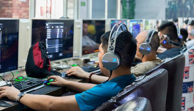 С 10 вечера до 8 утра запретили компьютерные игры: Как ещё бороться за психику детей
