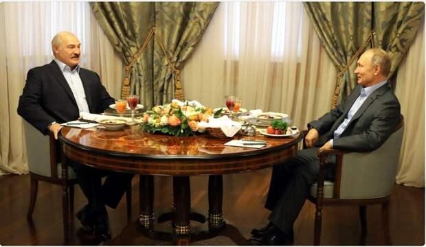 Известный российский эксперт: Москва поглотит Минск, Лукашенко останется в живых, Путин скоро уйдет, Навального убивали всерьез