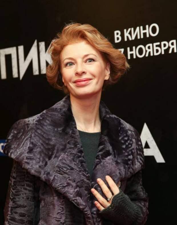 От рыжей бестии не осталось и следа: Амалия Мордвинова, спустя 10 лет, вернулась в Москву