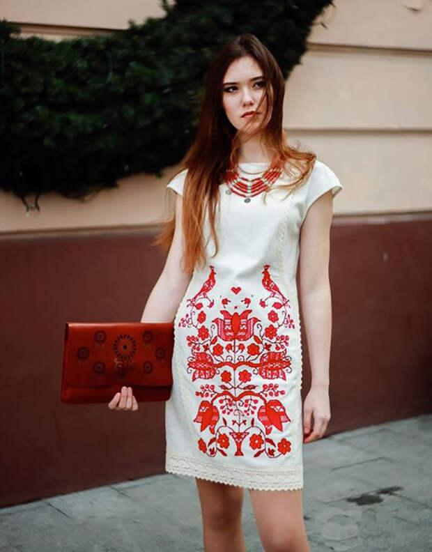 платья с вышивкой для полных