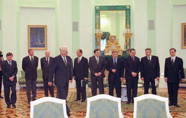 """Президент России Борис Ельцин и """"Семибанкирщина"""""""