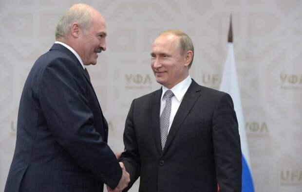 Источник раскрыл реакцию Кремля на масштабные протесты в Беларуси