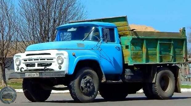Почему ЗИЛ-130 всегда окрашивали в голубой цвет