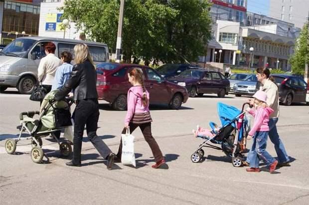 В Госдуму внесён законопроект о праве на декретные с нескольких мест работы
