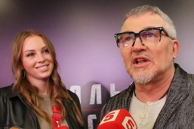 61-летний Дибров спокойно отпускает молодую жену на встречи с другими мужчинами